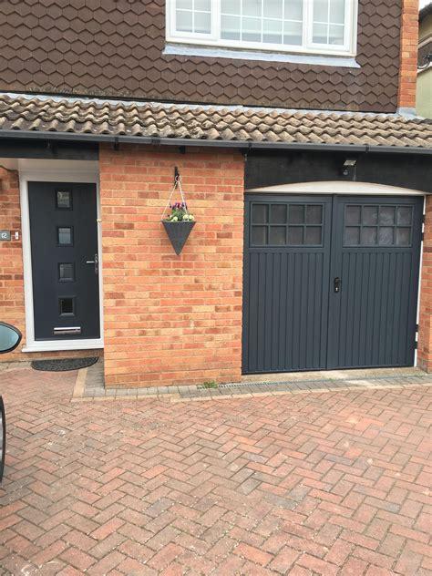 Passende Farben Zu Anthrazit by Matching Anthracite Grey Front Door And Garage Door