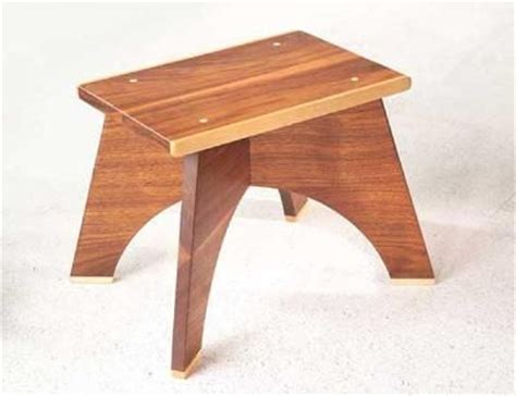 build  wooden footstool  diy woodwork plans pinterest