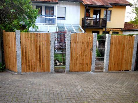 Zäune Aus Stein by Galabau M 252 Nchen Zaun Aus Holz Und Stein Spielplatz