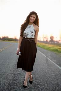 Stylish Black Midi Skirt Outfit for Petite Gals