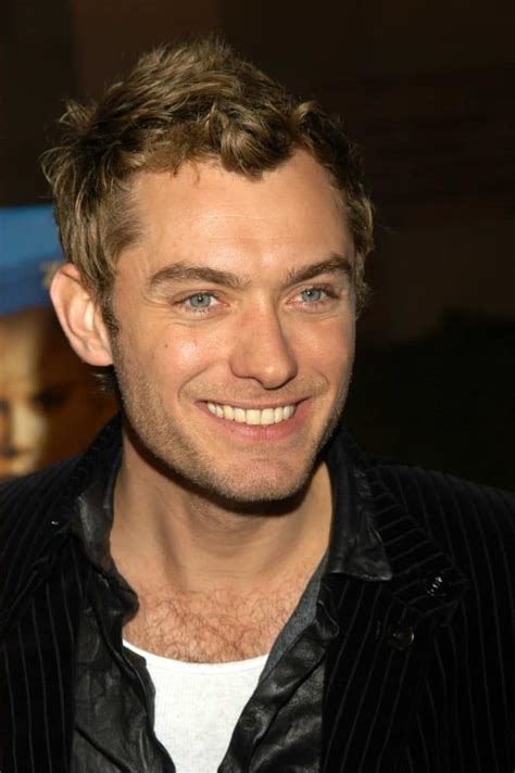 jude law s hairstyles over the years headcurve