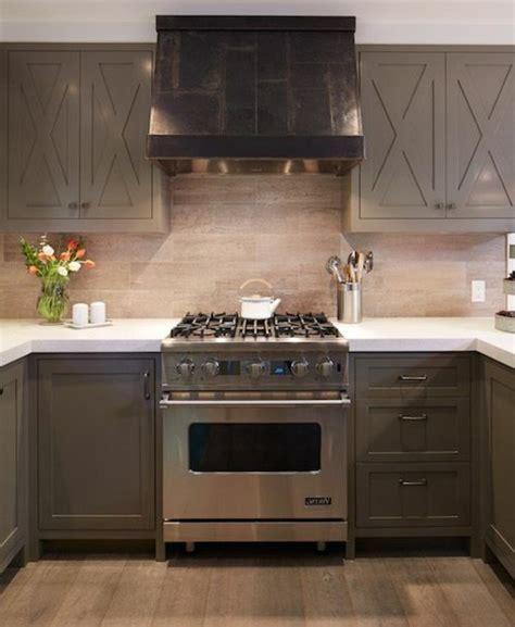 peinture cuisine gris clair cuisine taupe 51 suggestions charmantes et très tendance