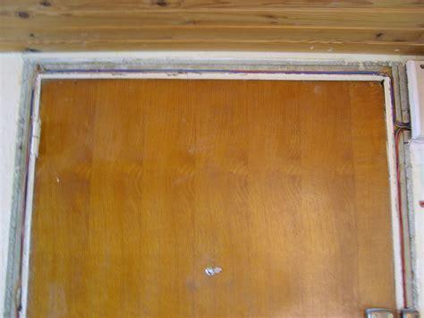 faire un cadre de porte fils electriques dans cadre porte principale