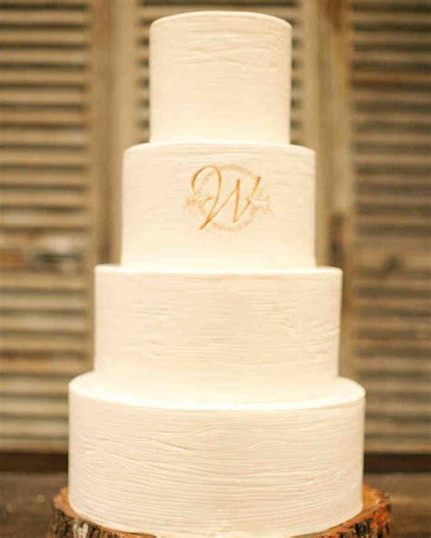monogrammed wedding cake ideas youll   put    martha stewart weddings