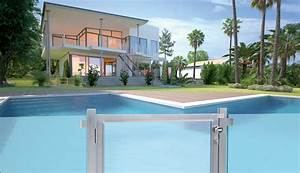 Cloture Souple Piscine : cloture de piscine toute la s curit d 39 une barri re de ~ Edinachiropracticcenter.com Idées de Décoration