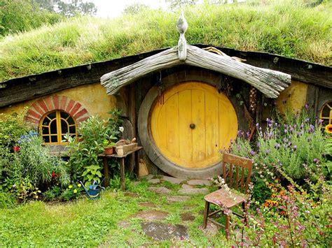 Letter Re Hobbit Houses  Survivalblogcom