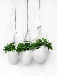 Cache Pot Suspendu : cache pot suspendus pot de fleurs suspendu et jardini re suspendue marie claire ~ Teatrodelosmanantiales.com Idées de Décoration