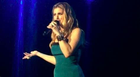 Idina Menzel Sings 'let It Go' In Tagalog During Manila