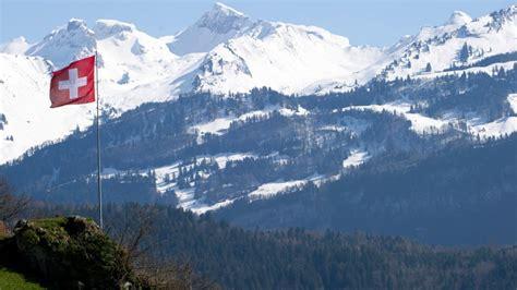 Die schweiz liegt zwischen bodensee und genfersee, alpenrhein und jura, hochrhein und alpensüdrand. Kaum ein Land produziert mehr Abfall als die Schweiz ...