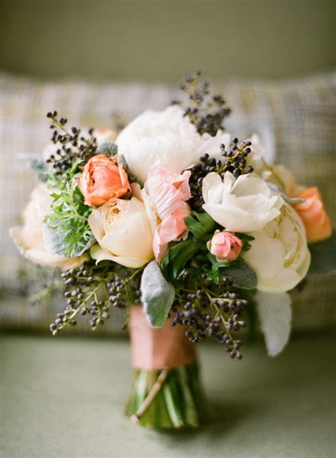 Finding The Right Flowers For Your Wedding Bouquet
