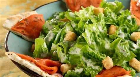 cuisine libanaise traditionnelle recette de la salade césar au saumon hotelrestovisio