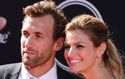 WATCH: Did Erin Andrews call out boyfriend Jarret Stoll on ...