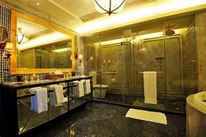 Luxury hotel bathroom, Hotel bathrooms and Luxury ...