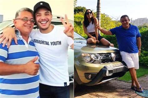 Wesley Safadão E Anitta Dão Carro De Presente No Dia Dos