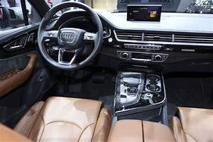 Audi Q7 Interieur : audi q7 e tron 2015 bord du 1er suv diesel hybride ~ Nature-et-papiers.com Idées de Décoration