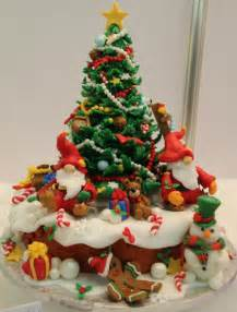 Decorating Santa Hat Ideas by 15 Amazing Christmas Cakes A Holiday Scene Guff