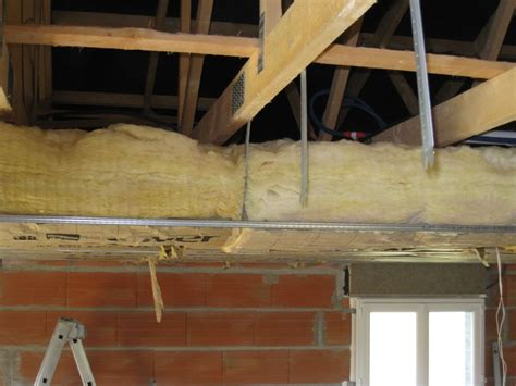 rosace plafond pas cher rosace plafond pas cher 224 brest prix renovation salle de bain distance suspente placo plafond