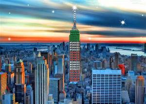 Empire State Building And New York Skyline At Xmas ...