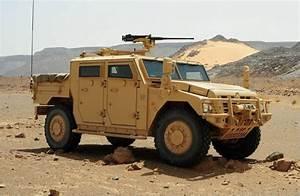 Sherpa Renault : renault trucks defense showcases sherpa vab mk iii at gda kuwait 2015 al defaiya ~ Gottalentnigeria.com Avis de Voitures