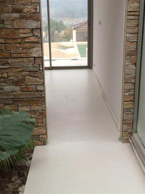 recouvrir du carrelage avec du beton cire beton cire au sol free comment faire du beton cire au sol