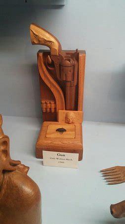 national museum  wood carving custer