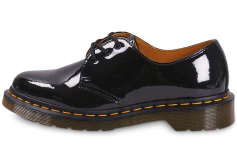 dr martens   vernis noire chaussures baskets femme chausport