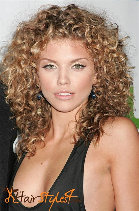 What Are The Best Hairstyles For Curly Hair? HairStyles4 Com
