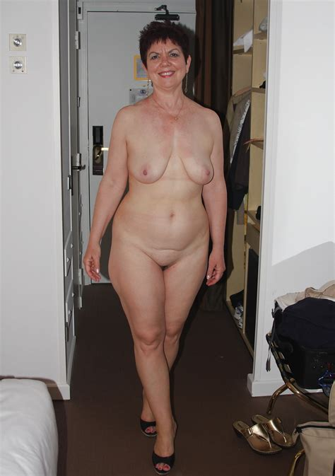 Home Porn  Full Frontal Nudity