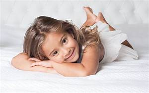 Smiling girl wallpapers and images - wallpapers, pictures ...