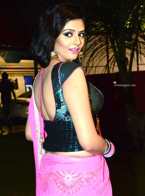 hips in saree page 3629 xossip