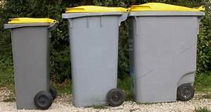 Poubelle 120 Litres : poubelle 240 litres pas cher ~ Melissatoandfro.com Idées de Décoration