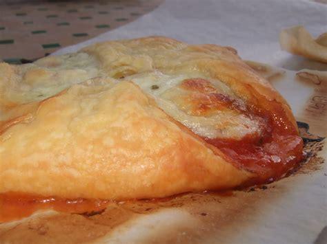 feuillet 233 s tomate pancetta et mozarella dans la cuisine
