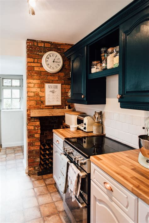 exposed brick  modern country kitchen rock  style