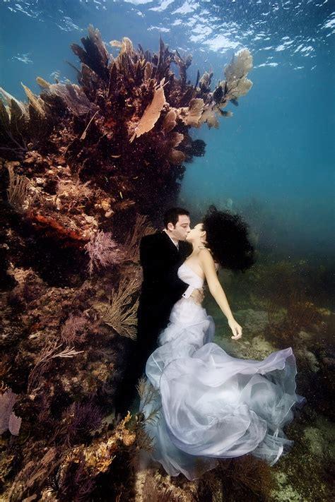 amazing story   romantic underwater wedding