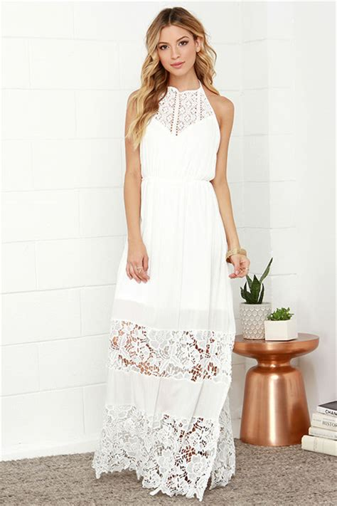 What Do I Wear To A Bridal Shower by What Do Brides Wear At The Wedding Shower Everafterguide