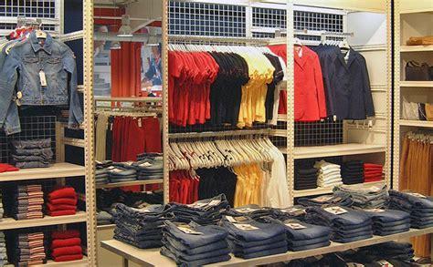 magasin bureau rayonnage magasin vêtements étagère boutique mode