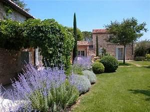 un peit coin de jardin en provence jardin en provence With good amenagement de jardin avec piscine 5 photo maison provencale pierre