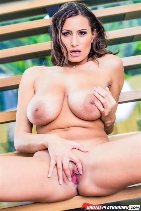 Randy Brunette Is Showing Her Big Tits Milf Fox