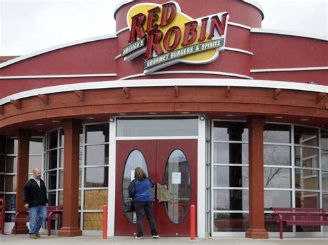 Fire Damages Augusta Red Robin Restaurant Centralmainecom