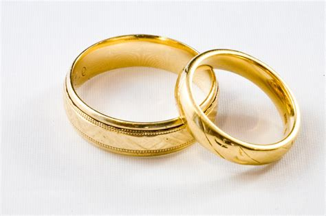 why should make wedding ring sets for women and also men
