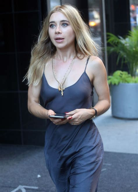 Olesya Rulin On The Set Of Younger In New York Hawtcelebs Hawtcelebs