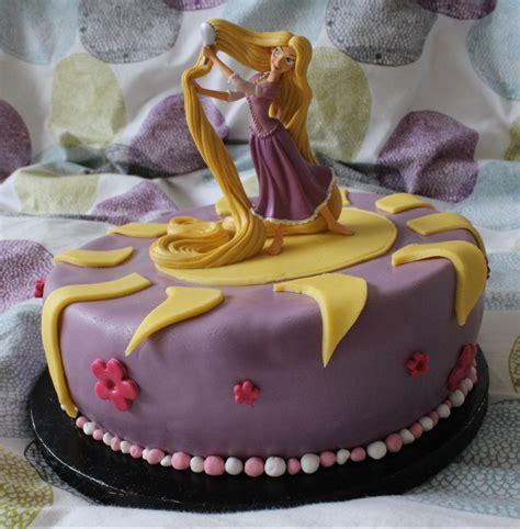 j aime cuisiner gâteau d 39 anniversaire raiponce qui aime cuisiner aime