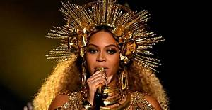 Beyonce's chair tip mid-performance at the Grammy Awards ...