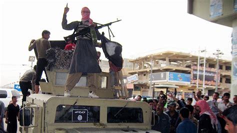 El Estado Islámico Ejecuta En Público A Un Periodista