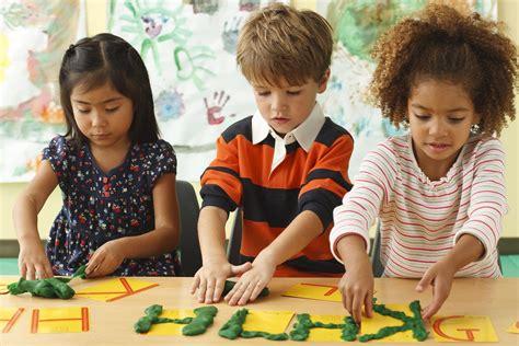 preschool kids playing tuesday thursday 3 hour class apple tree schoolhouse 316