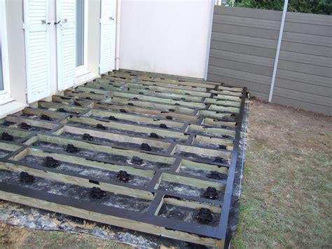 terrasse bois composite fiberon directement sur pelouse