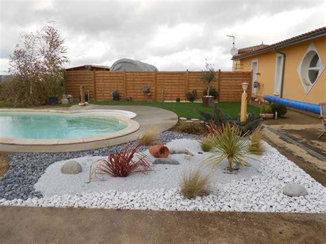 decoration piscine hors sol galets de d 233 coration graviers de couleur roches gers auch