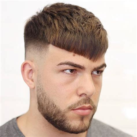 mens hairstyles for small heads short hairstyles with bangs best haircuts for short hair