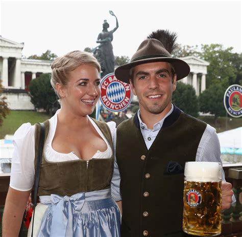 I 21.11.2021 riemer saisonabschluss 2021. Oktoberfest: Frustbewältigung des FC Bayern auf der Wiesn - Bilder & Fotos - WELT