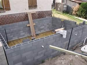 elevation parpaing blocs a bancher With construire sa piscine parpaings